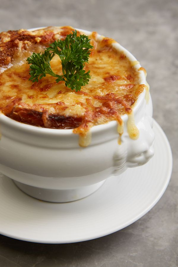 LADY L Garden Bistro : French Onion Soup