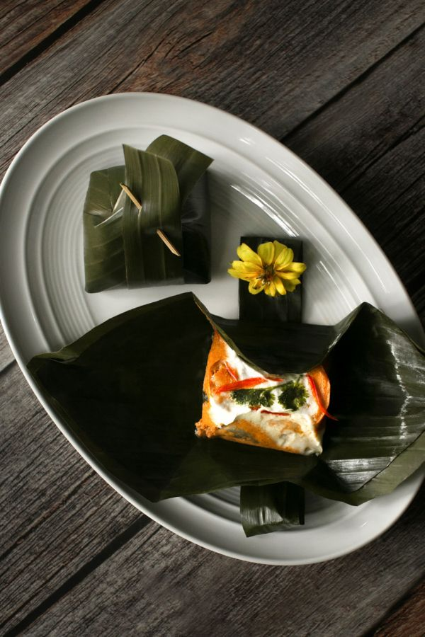 Ma Maison : Steamed Rice and Fish Curry in Banana Leaves